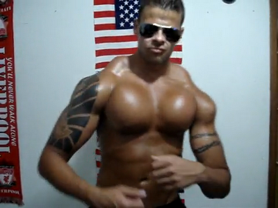 Bodybuilder tries to mimic the Hulk, gets rock-hard arms   literally