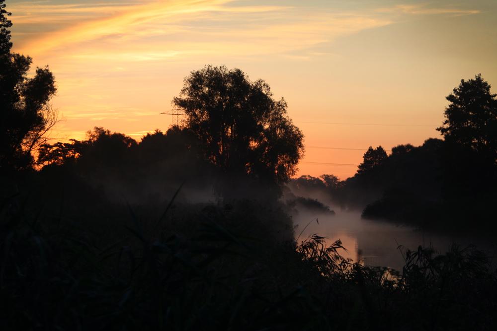 Morning fog by amfiploid