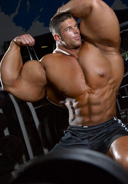 Muscle Bodybuilder Morph by UnitedbigMuscle