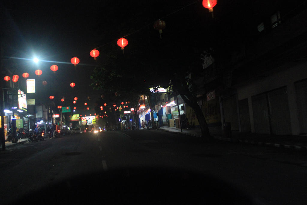 Batu City Street Night by VHACasTroPhY