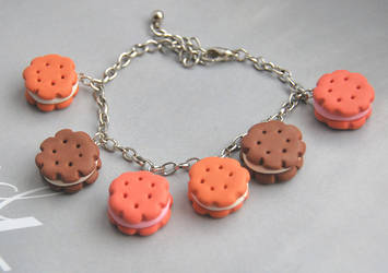 Cookie Explosion Bracelet by Madizzo