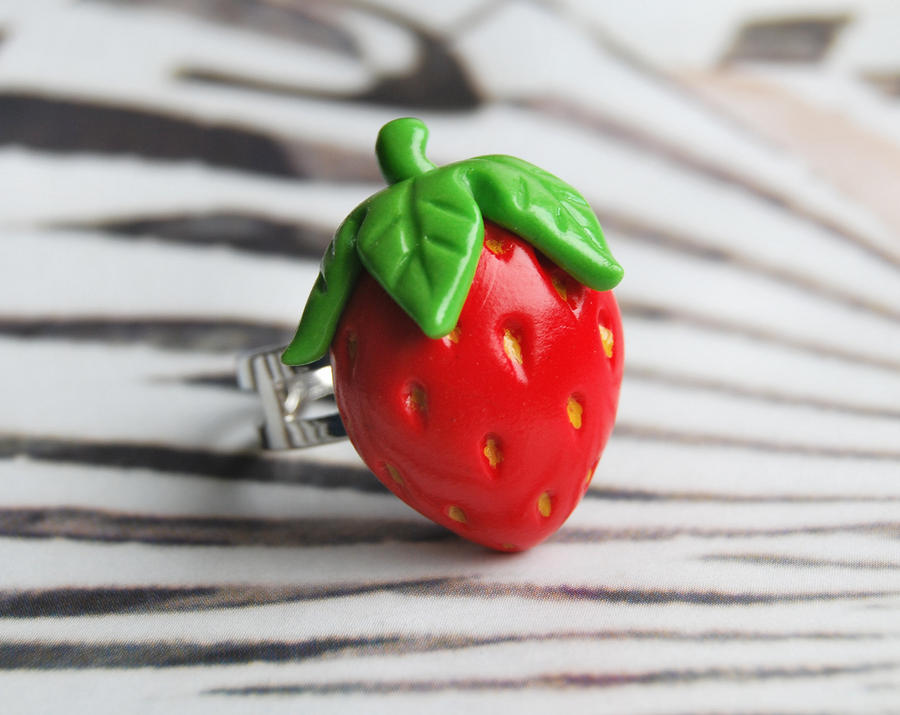 Strawberry ring by Madizzo