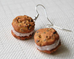 Cookie ice cream earrings by Madizzo