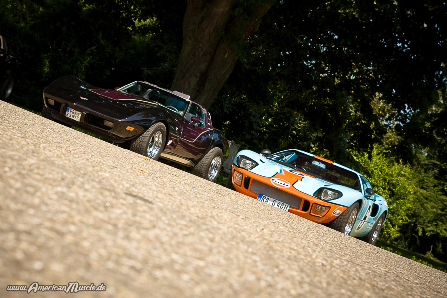 vette and gt 40 by AmericanMuscle