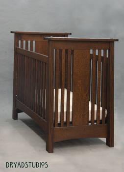 Traditional oak Mack Crib