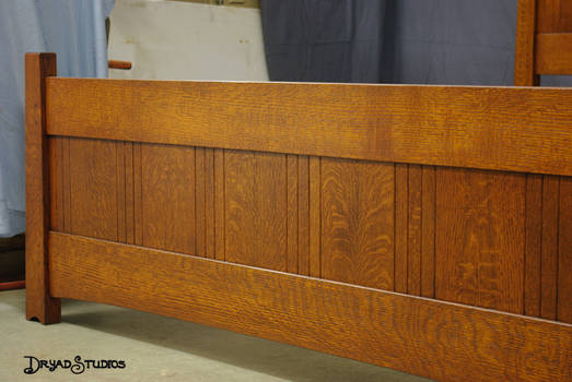 Close up end of amber panel bed