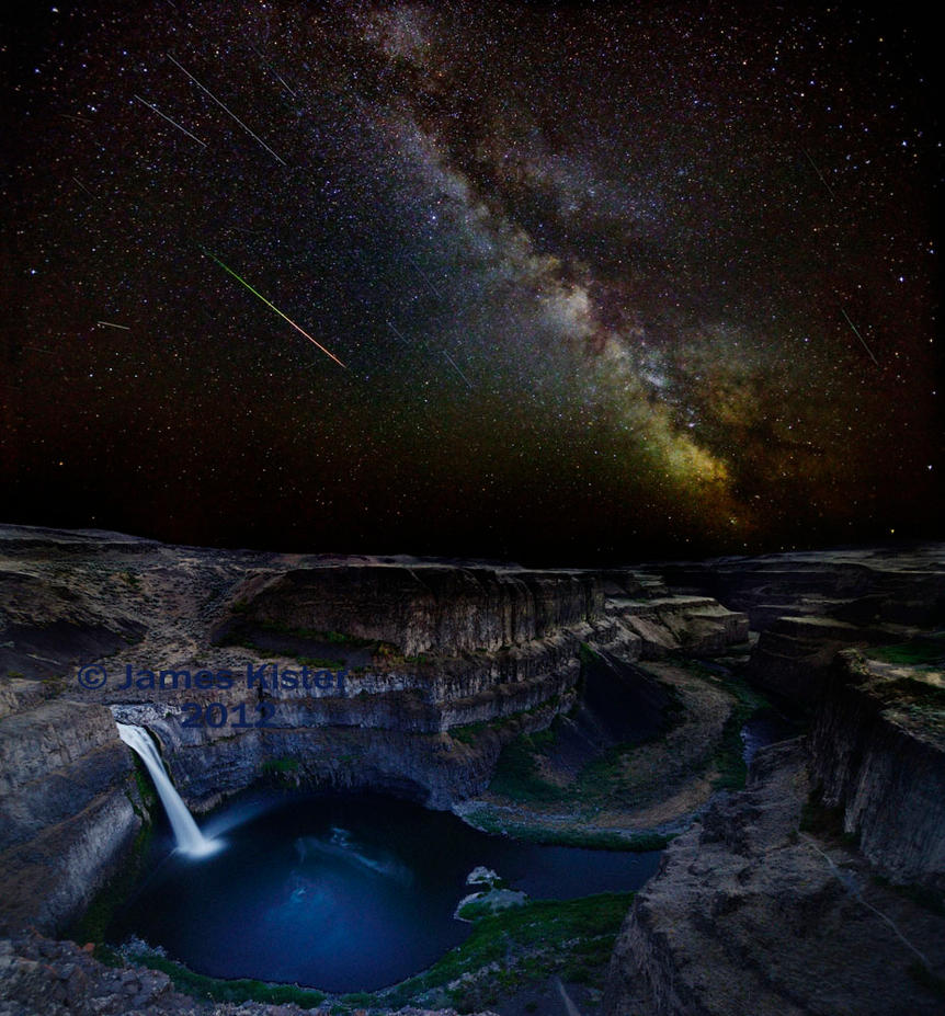 Palouse Falls during Perseids meteor shower by gokuyert
