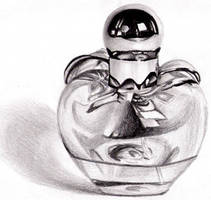 perfume bottle -.- by zenshinibuu