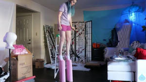 Became a mini giantess because of heels
