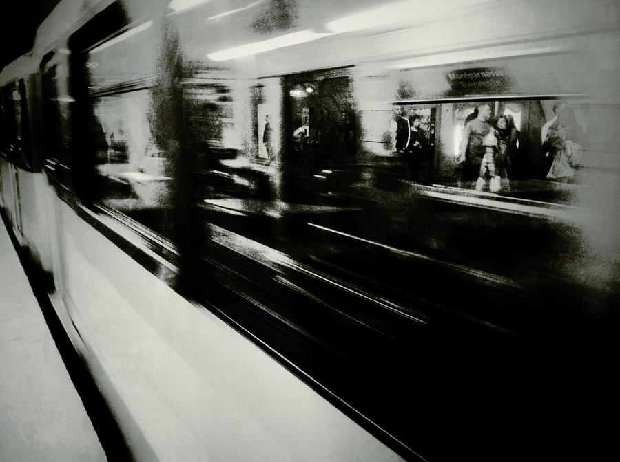 metro by YellowCakePictures