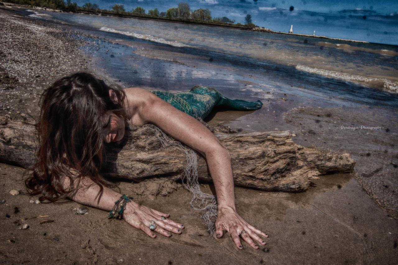 Mermaid Aiyana Beached by pendragon93