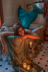 Mermaid Aiyana In the Tub