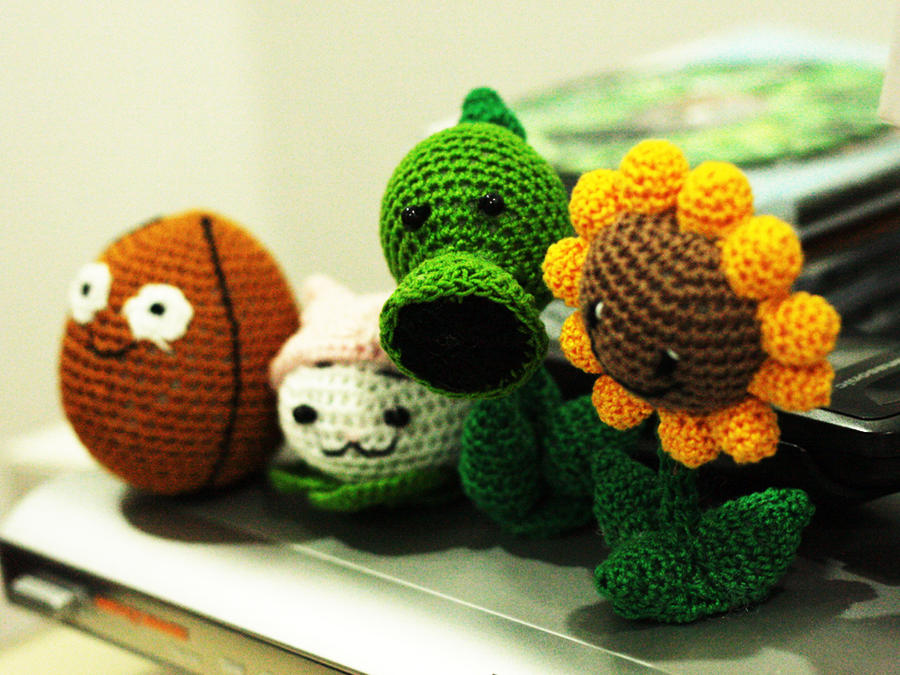 Plants vs. Zombies Dolls by Nissie