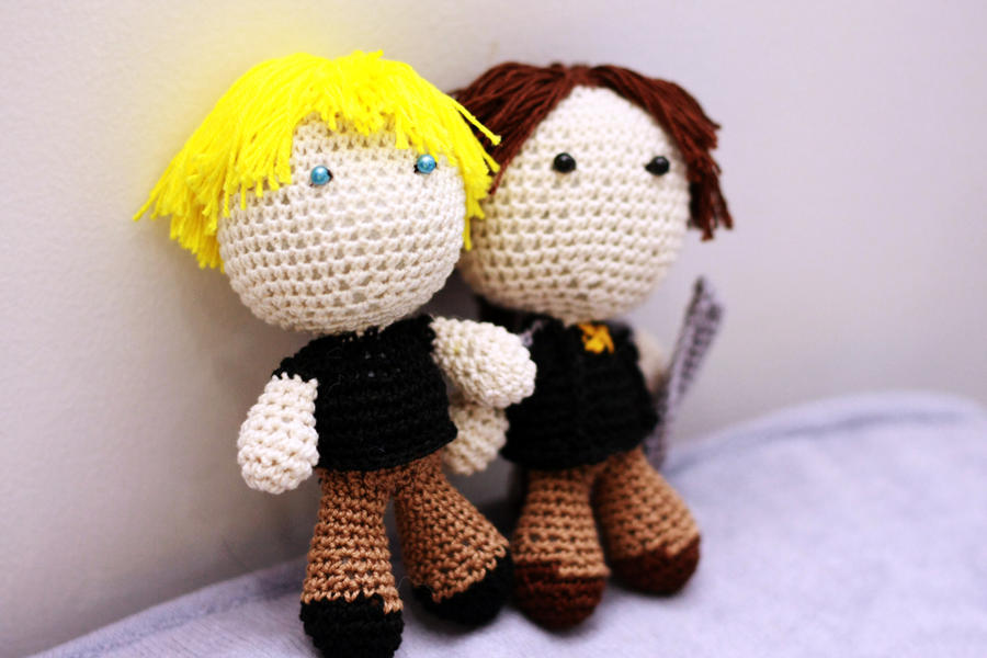 Hunger Games: Katniss and Peeta by Nissie