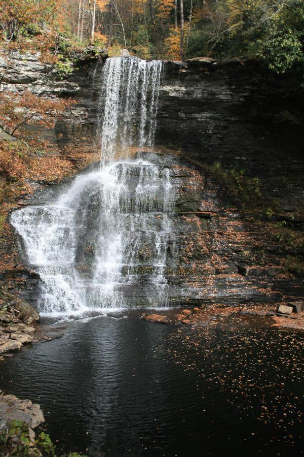 cascades 07 by gwumpysmurf