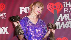 Taylor Swift iheart awards