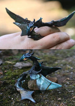 Star  Stell/ fully poseable ring dragon