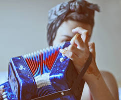 toy accordion by hennatea