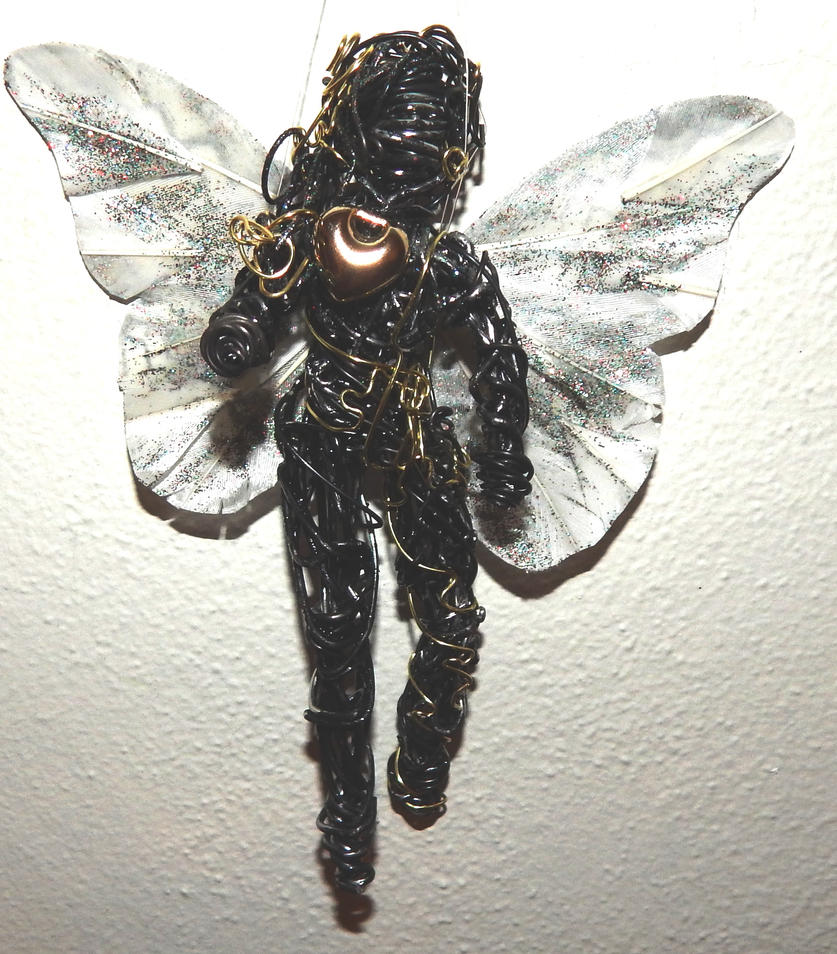 Black and Gold Fairy by metalpug