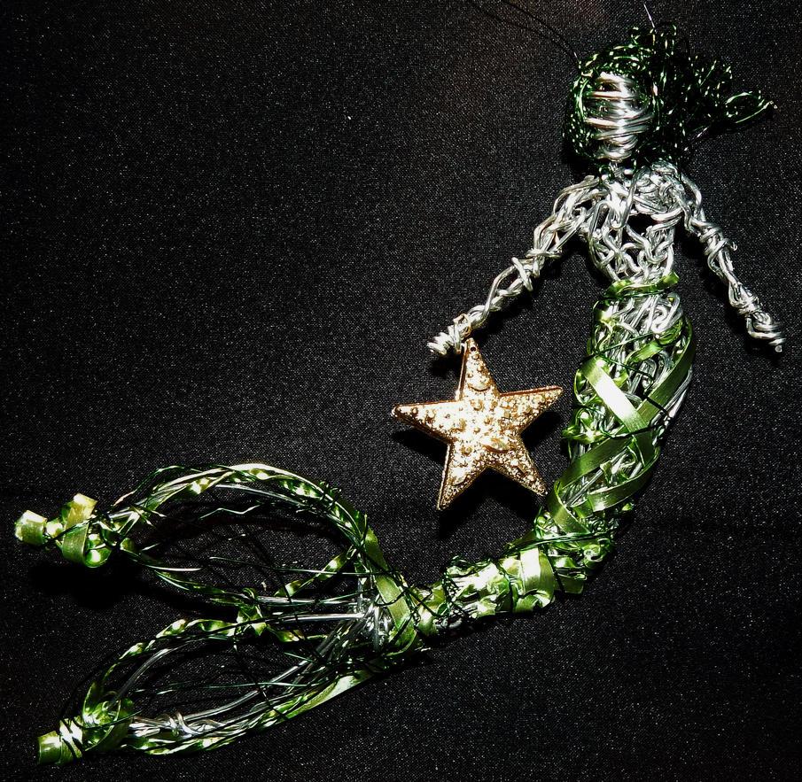 Green Mermaid With Star by metalpug