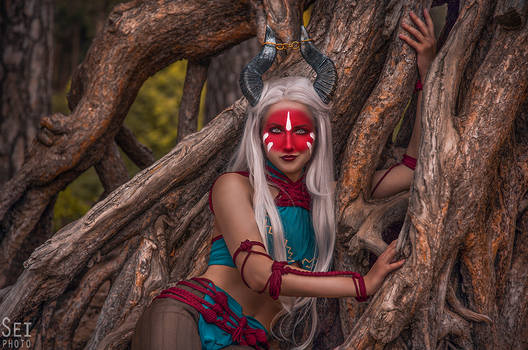 Dragon Age: Inquisition (Female Qunari)