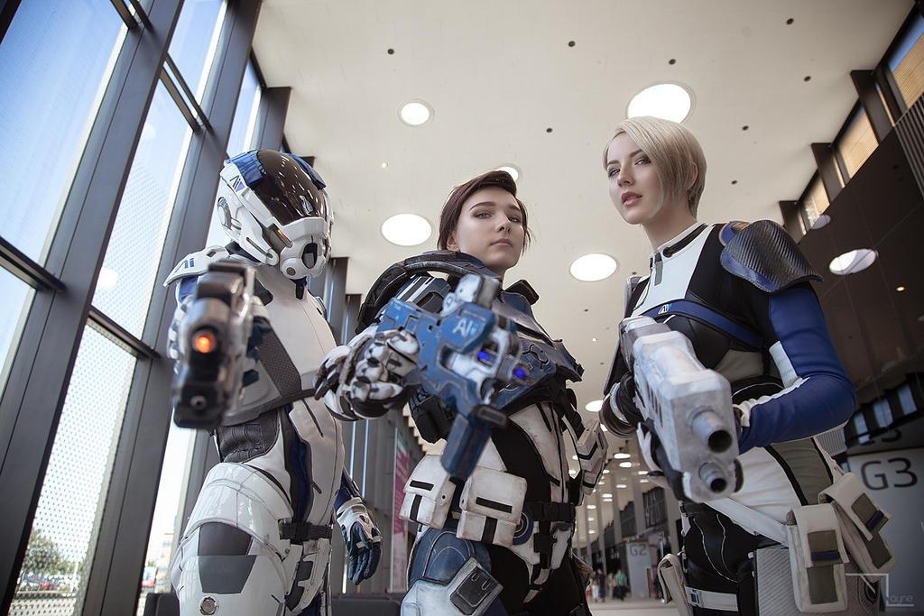 Cora, Scott and Sara (Mass Effect: Andromeda) by niamash