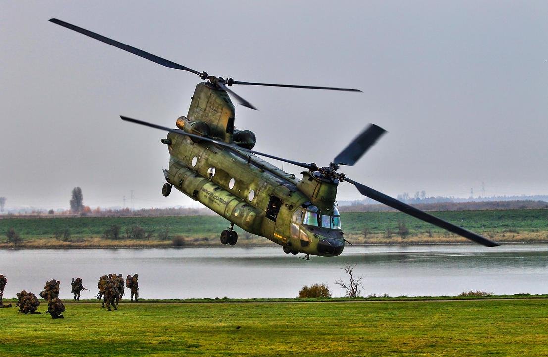CH-47 by JoostvanD