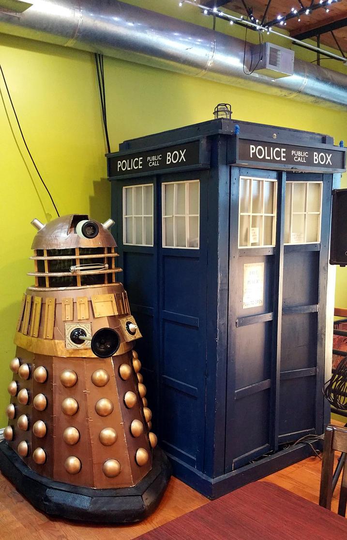 A Dalek and A TARDIS! by AllHailZ