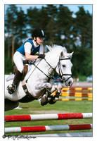 Pony jumping by paddee