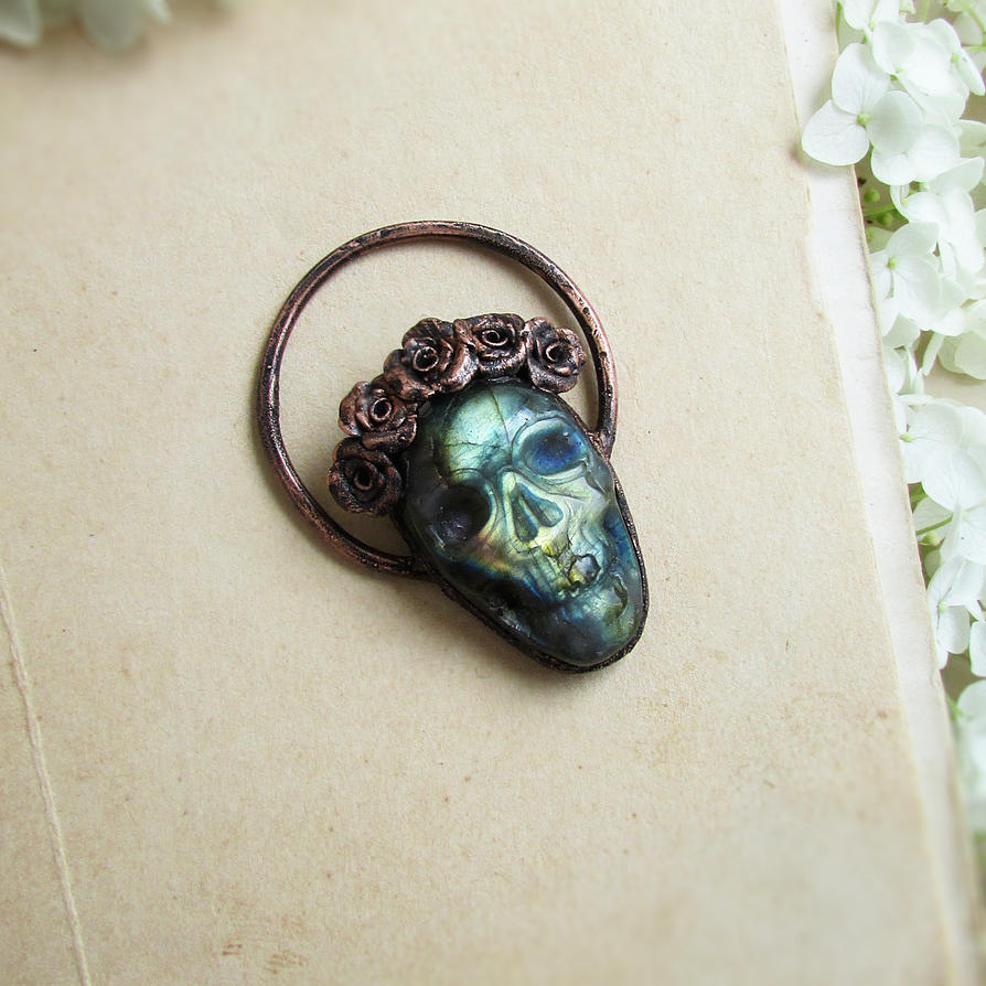 Labradorite Skull Pendant by MarrieKo