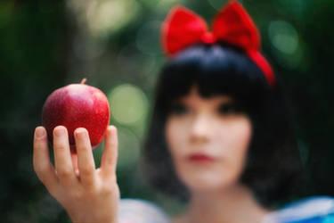 Snow White Cosplay Photo Shoot