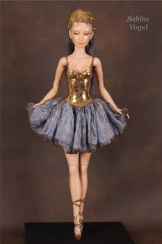 Saltatrix - the dancer