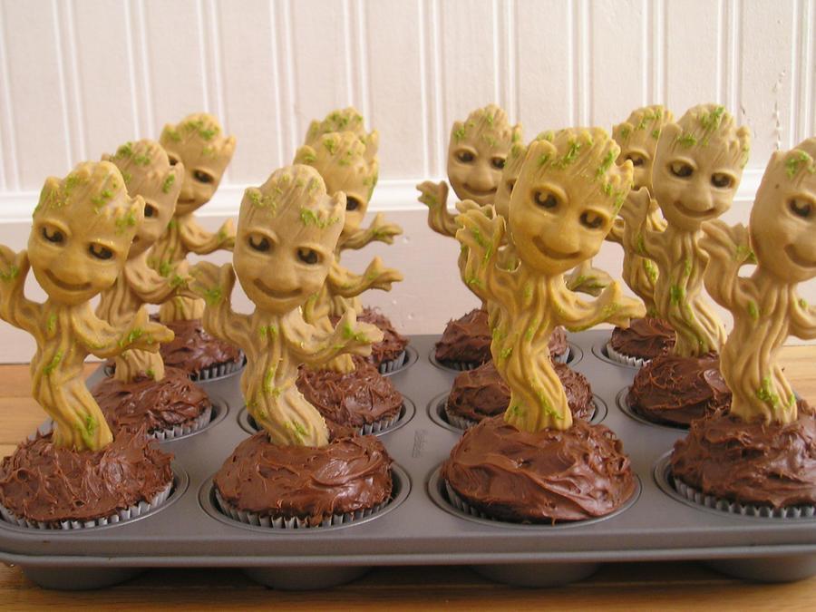 Groot cupcakes by AnimeGeer