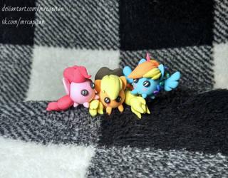 Pony balls Pinkie Pie, AppleJack, Rainbow Dash by MrCAPiTAN