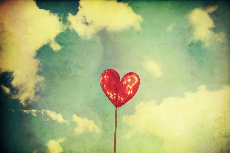 صور بنوتات للتصاميم Heart_of_the_sun_by_cloud_room