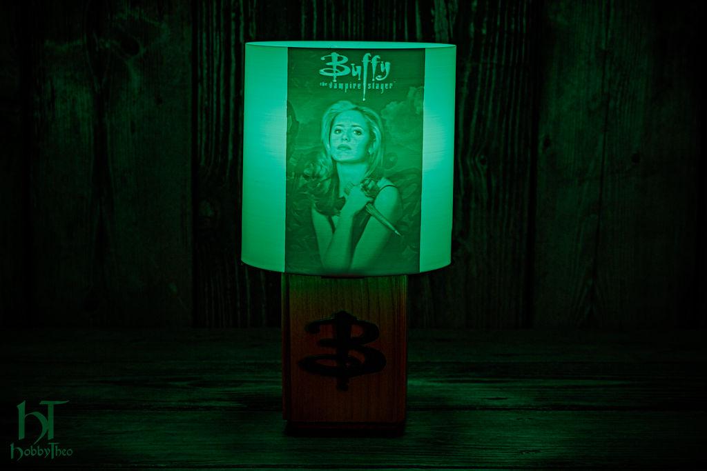 buffy_the_vampire_slayer_lamp_by_hobbytheo_deg8oz2-fullview.jpg