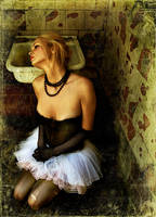 Tired ballerina by ssuunnddeeww