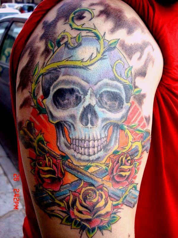 skull tattoo by mojoncio