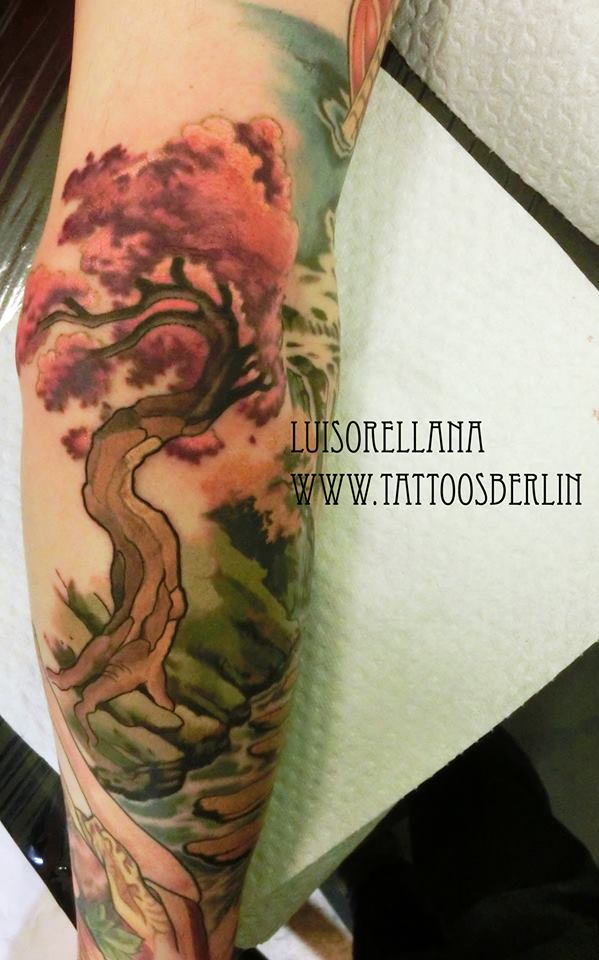 elbow sakura tree by mojoncio