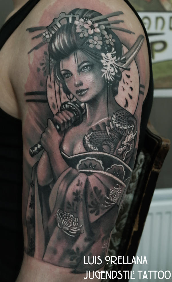geisha tattoo black and grey by mojoncio