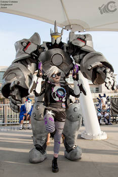 Reinhardt and Ultraviolet Tracer cosplay