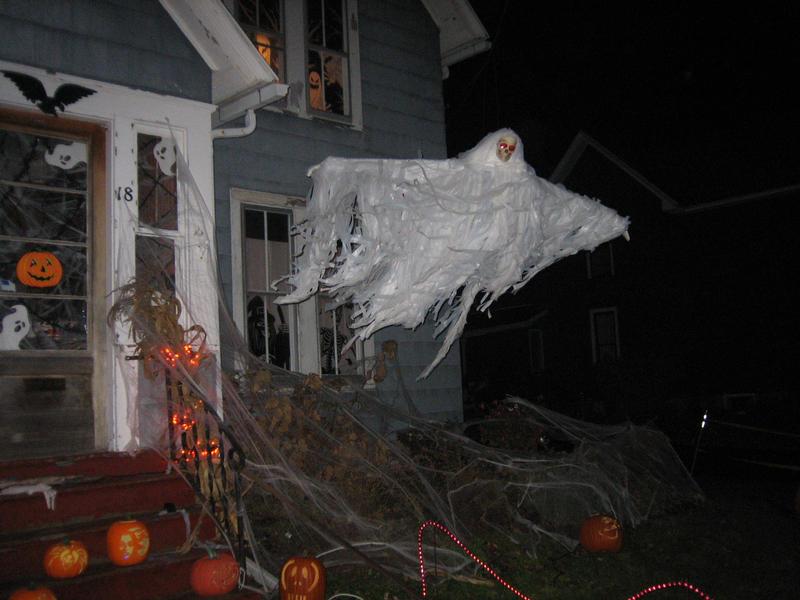 2008 yard haunt 1 by char739 on deviantart for Decoration jardin halloween