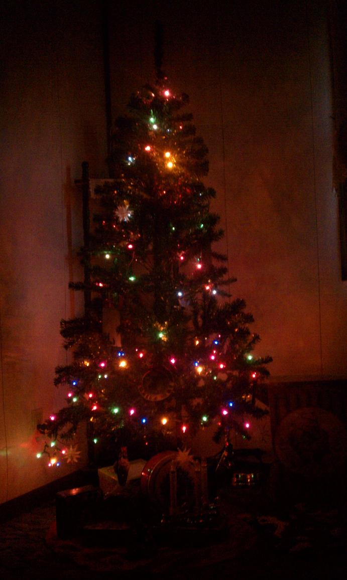 Christmas tree by Jacobdun16