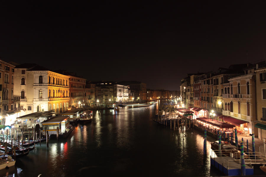 View from Rialto bridge by smatsh