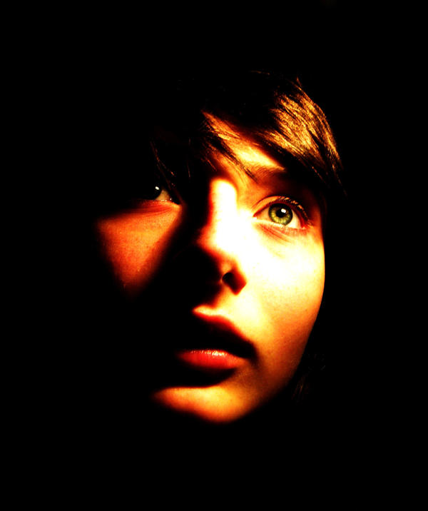 Glow. by tinygreenturkeyeyes