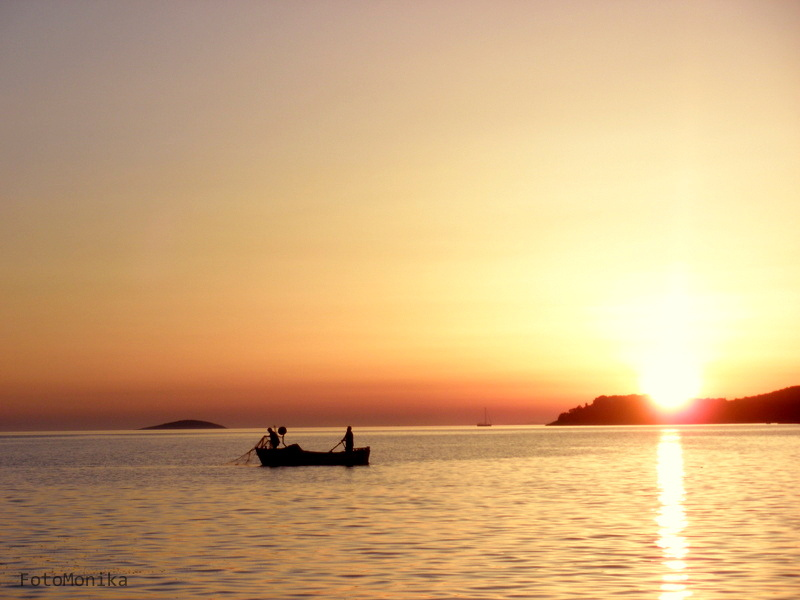 Sunset on the sea by monikabuz