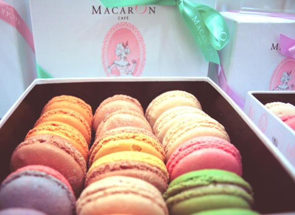 Macaron Cafe by Li-Si
