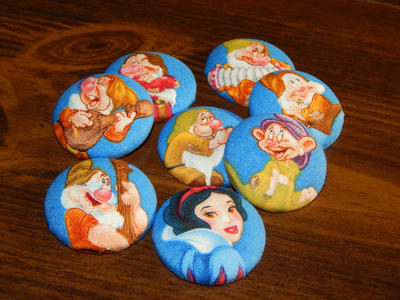 Snow White and the Seven Dwarfs Magnet Set by dotdonahue