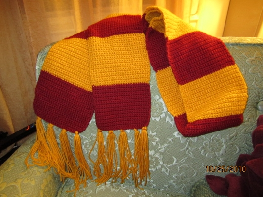Harry Potter Scarf Knitting Pattern : Harry Potter scarf - crochet by cideon on DeviantArt