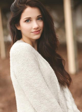 Cute Girls With Light Brown Hair